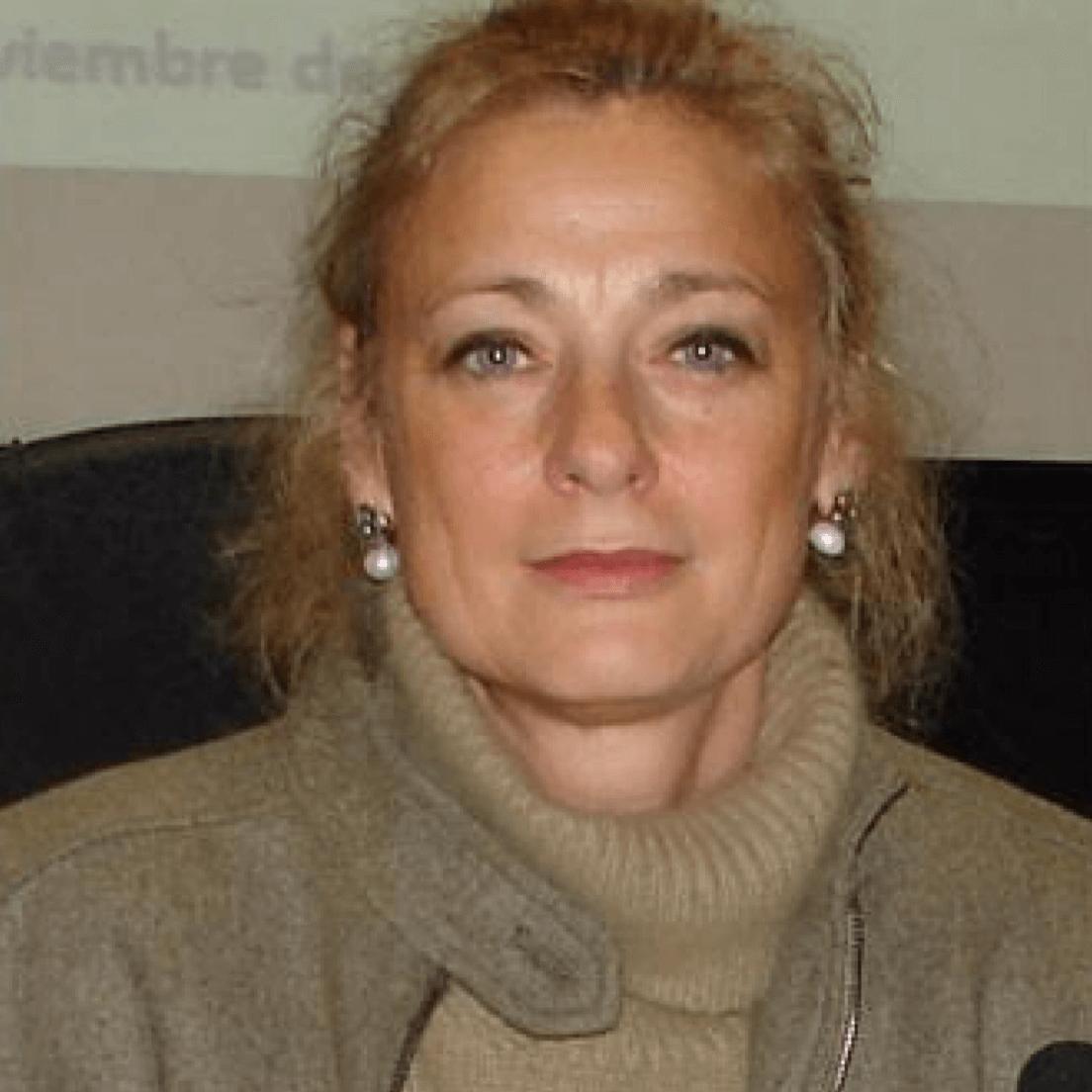 CLARA E. GARCÍA